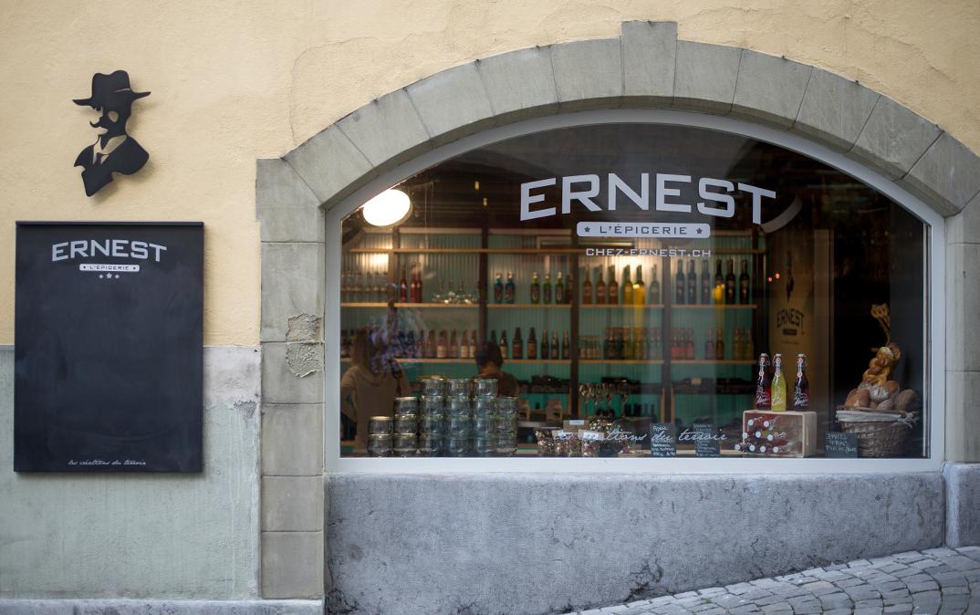 Ernest_web_sliderbg04